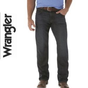 Wrangler Relaxed Fit Black Jeans. Size 44/30